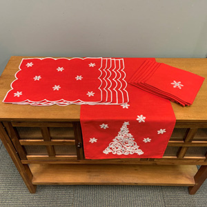 Trees and Snowflakes Linens Set/6